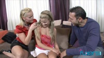 Caty Cambell Bianka Lovely threesome - Beeg stranger