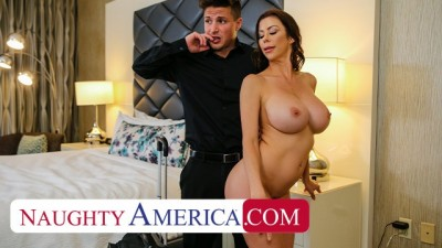 Alexis Fawx tips bell boy with pussy - Youporn girl on girl