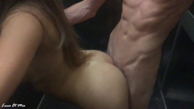 Sexy bitch in the amateur elevator sex - Xnxx public