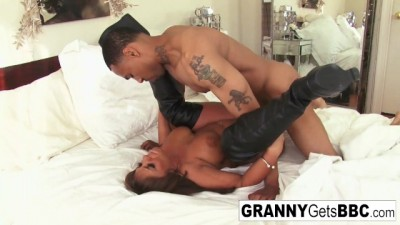 Busty Brunette Mature Takes the Black Cock in her Bed!