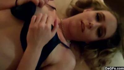 Slutty Motel Babe Shows off Body