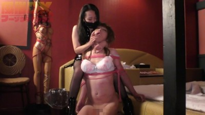 【Fuzoku】Five Dominatrixes Train Trans Man by Turns