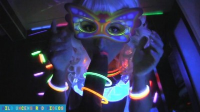 HOT RAVER GIVES BLOWJOB, FOOTJOB AND HANDJOB