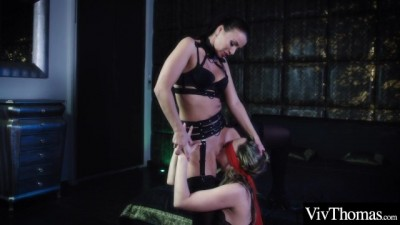 Dominatrix makes her Sexy Blonde Lover Pleasure her