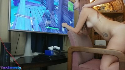Gamer Girl Gets Creampied while playing Fortnite - Xxx full hd tv